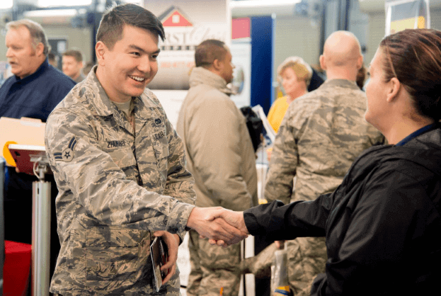 how strong resumes help veterans in getting a civilian job